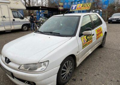 Peugeot spuri-suli autósiskola Budapest
